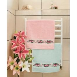 GU 8426 Wzór graficzny - Ręcznik z różami - Haft krzyżykowy