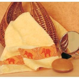 Zestaw z muliną i ręcznikiem - Ręcznik ze słonikami