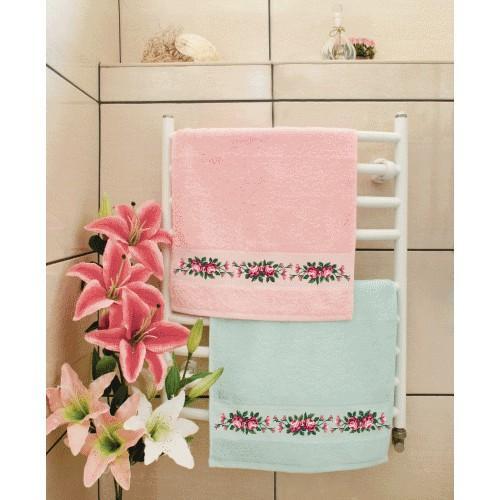 Zestaw z muliną i ręcznikiem, - Ręcznik z różami