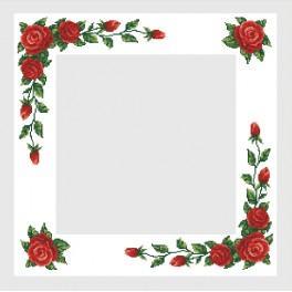 Zestaw z muliną i obrusem - Obrus z czerwonymi różami