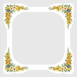 Zestaw z muliną i obrusem - Obrus z wiosennymi kwiatami
