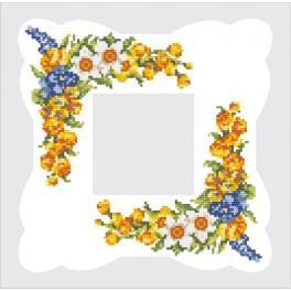 ZU 8201 Zestaw z muliną i serwetką - Serwetka z wiosennymi kwiatami