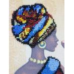 Zestaw z nadrukiem, koralikami i podmalowanym tłem - Afrykański wdzięk