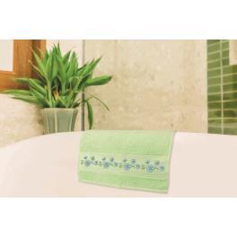 Zestaw z muliną - Ręcznik z kwiatami