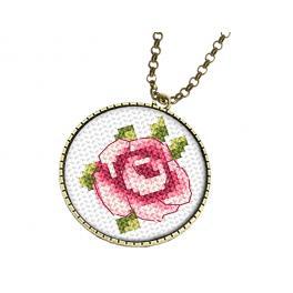 Zestaw z muliną i medalionem - Medalion z różą