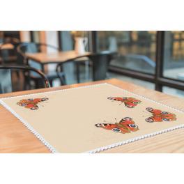 Wzór graficzny - Serwetka z motylami