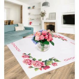 Zestaw z muliną i obrusem - Obrus z romantycznymi różami