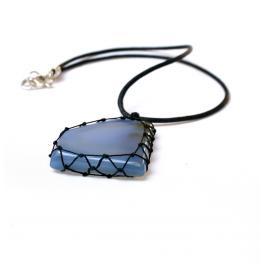 Naszyjnik z błękitnym agatem