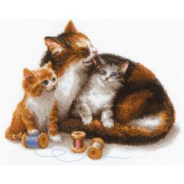 RIO 1811 Zestaw do haftu z włóczką - Kotka z kociakami