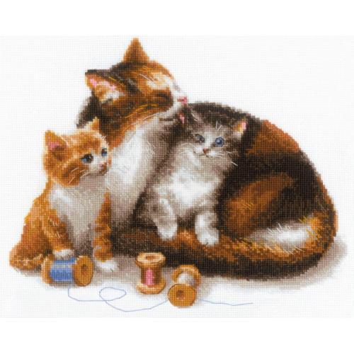 RIO 1811 Zestaw z włóczką - Kotka z kociakami
