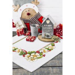 Zestaw z muliną i serwetką - Świąteczna serwetka z kwiatkami