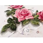 W 10176 Wzór graficzny ONLINE pdf - Bieżnik z różami 3D