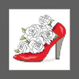 ZU 10327-01 Zestaw do haftu - Kartka - Bucik pełen róż