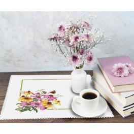 ZU 10469 Zestaw do haftu - Serwetka z kwiatami